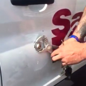 van-video-break-in-Ford-Transit-tip-footage-959113